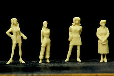 4  FIGURINES  GIRLS  SET  25  WAITING   EN  ATTENTE  VROOM  1/43  A PEINDRE