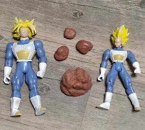 DragonBall Z Ultimate Struggle SS Vegeta VS SS2 Trunks Super Saiyan 2003 Figure
