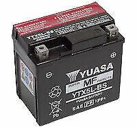 Yuasa YTX5L-BS 12 V 4,2 Ah Batterie pour Moto - Noire