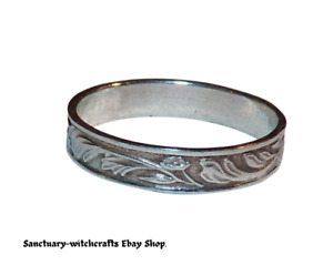 Vintage Sterling Silver Leaves & Flowers Band Ring. Size Q.