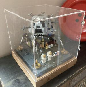 AC15 Deluxe Hardwood & Clear Acrylic Display Case for LEGO Apollo 11 Lunar Lande