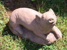Schwein grunzend mittel Tier Figur Skulptur Kunst Sandstein Antik Look P 15 ROT