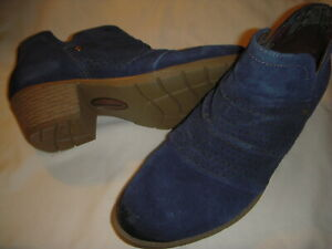 Earth Origins Amanda Suede Leather Booties w/Perf. Ruching Women's 6 W Navy