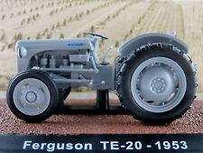 Atlas 7517004 Ferguson TE-20 (1953) in hellgrau 1:32 NEU/OVP