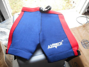 NEW NOS Nelson-Rigg Aquatech Blue Red Wetsuit Wet Suit Shorts Size Small