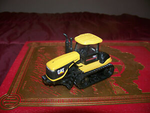 Cat 75E track tractor, 1/64, Norscott, Nice, displayed only