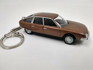 Porte clé Citroën CX neuf en métal, idée cadeau