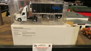 DCP#32398 SYSCO FOODS FL CASCADIA SEMI DAY CAB TRUCK REEFER TRAILER 1:64/PL