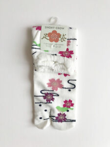 Japanese Tabi Socks White 9-9.5 inch Sakura Flower Pattern NWT