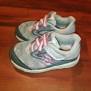 New Balance KV687SPI Infant Girls Bump Toe Hook Loop Straps Shoes Silver Size 7