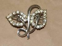 Vintage Art Nouveau Silver Tone Clear Rhinestone Leaves Pin Brooch