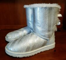 Ugg Bailey Women Silver Leather and Suede Fashion Boots Sz Us 8, EU 39 **1004791
