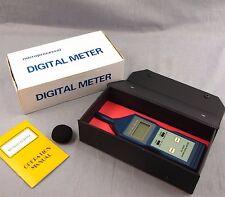 Digital Sound Noise Level Measure Meter Gauge Tester SL-5826 Measure (130DB)