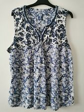 Mantaray Blue White Floral Sleeveless Ladies Top Size 20 (D5)