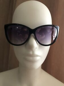 Chanel Vintage Sunglasses 5169 Collection Leather Arms Small Fit Black/White