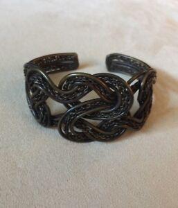 ARTISAN Handmade Metal Cuff Bronze - Fits 7 in Wrist