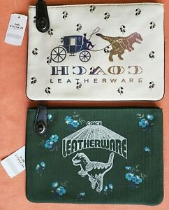 COACH TURNLOCK POUCH 26 WITH REXY:NWT CHALK CARRIAGE, GREEN SCRIPT  67899/51227