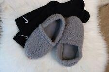 Womens Fuzzy Slippers Gray w/Ribbing Comfort Large 9-10 Shoe style w Socks Pictu