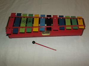 VINTAGE MUSIC TOY LARGE 12 BAR TUDOR XYLOPHONE