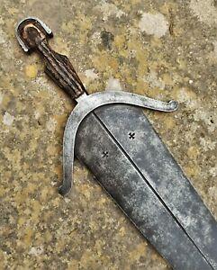 Large 19th - 20th Century Cinquedea Dagger / 16th Century Style