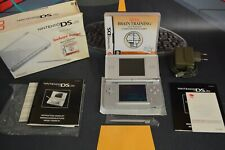 Consola DS Lite plateada (Nintendo 2006) + juego completo Más Brain Training