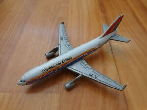 REALTOY 1:400 INTERNATIONAL AIRLINES BOEING 747 DIECAST MODEL AIRCRAFT PLANE