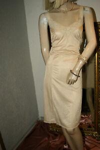 Schimmerndes Nylon Unterkleid ~~TRIUMPH Sphinx ~~ goldpuder Spitze Gr. 46