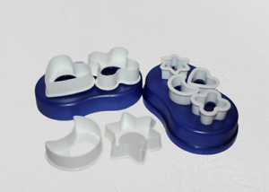 Tupperware  Cookie Cutter 4 large and 4 small with Blue Acrylic Case  New