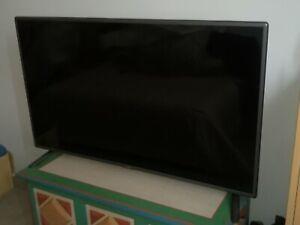 Tv led LG 47LB56 / 47 pouces = 119 cm / TRES BON ETAT