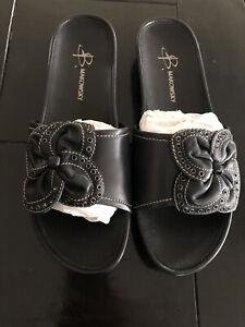 B Makowsky Julie Flower Black Leather Sandal Size 9 M Slide