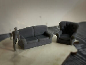 HO Scale Couch And Oversized Chair Furniture - Pack Of 5