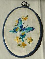 Petit Canevas Papillon Fleurs Cadre Ovale Plastique Bleu Ancien Vintage Rétro