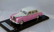 1/43 Rolls-Royce Phantom VI 1972  (  White / Pink)
