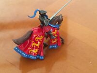 30.Britains Toys.vintage  Medieval Metal Knight On Horseback Excellent Condition