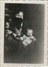 PHOTO ANCIENNE - VINTAGE SNAPSHOT - ENFANT LUMIÈRE OMBRE ÉTRANGE - CHILD LIGHT