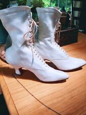 Look Fancy Eyelet Antique Victorian White Kid Leather High Top Lace-up Shoe Boot
