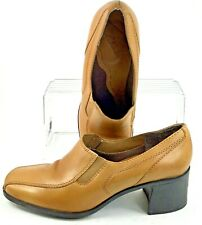 Clarks Bootie Womens 8 M Tan Leather Elastic Bicycle Toe Slip On Ankle Heel Shoe