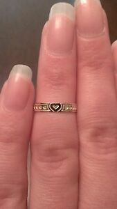 10K YELLOW GOLD POLISHED TEXTURED HEART TOE RING