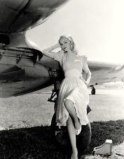 Veronica Lake UNSIGNED photo - H5009 - BEAUTIFUL!!!!!