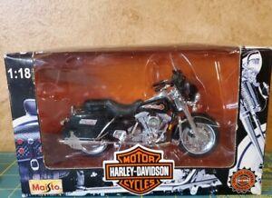 1:18 Maisto FLHT ELECTRA GLIDE STANDARD 1997 Harley Davidson Item 31360
