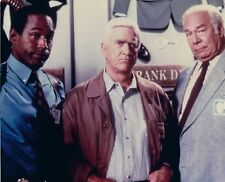 NAKED GUN 8X10 PHOTO MOVIE PICTURE OJ SIMPSON LESLIE NIELSON GEORGE KENNEDY