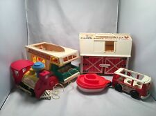Vintage Fisher Price Little People Playset Lot Plus Extras   G75