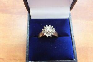 ESTATE 18ct YELLOW GOLD STAR DIAMOND RING - STUNNING