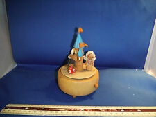 """Vintage Disney Castle With World Dancers """"Send In The Clowns"""" Music Box"""