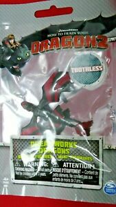 HTTYD HOW TO TRAIN YOUR DRAGON 2 RACING STRIPES TOOTHLESS MINI BATTLE FIGURE