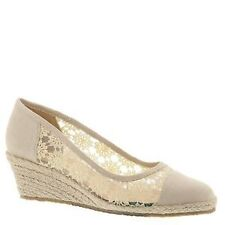 """Med 1 3/4"""" to 2 3/4"""" Women's Canvas Flats"""