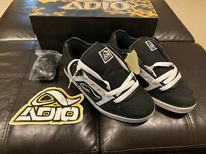 712305 Adio Men/'s Sydney Black//Charcoal Trainer Size 9.5 M US