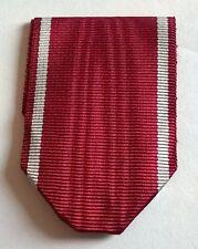 POLOGNE: Ruban neuf plié pour la Croix du Mérite polonaise.