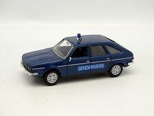 Norev Presse SB 1/43 - Renault 30 Gendarmerie