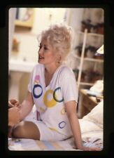 Dolly Parton candid sitting on bed Vintage Original 35mm Transparency